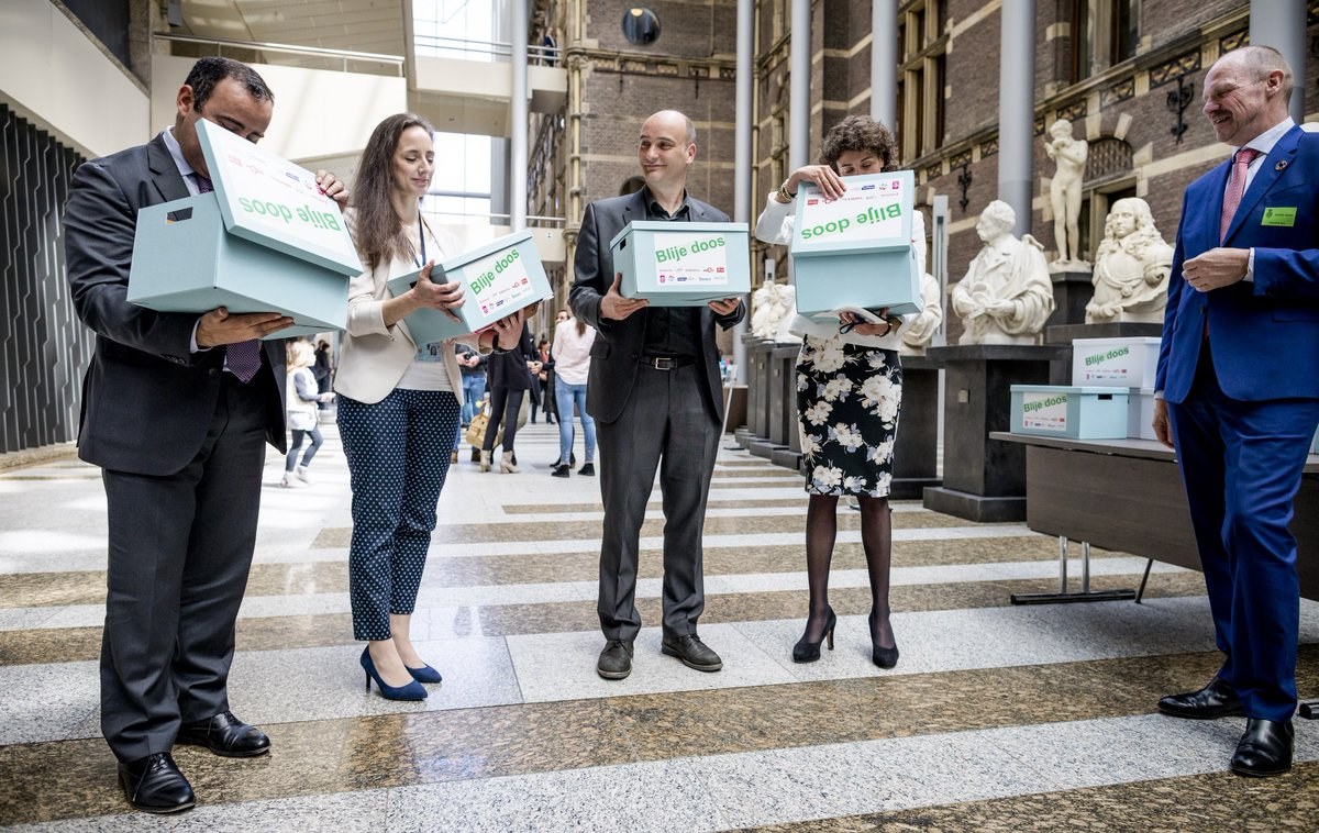 [Image: 'Happy Boxes' for Dutch Parliament!]
