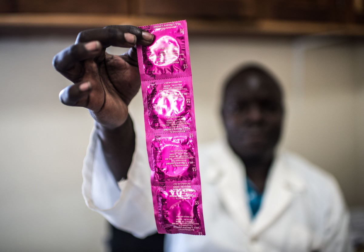 Contraceptive supplies financing: what role for donors?